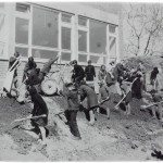 УРЕЂЕЊЕ СТАЗА И ЗЕМЉАНИХ ПОВРШИНА ОКО ШКОЛЕ 1969. ГОДИНЕ