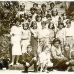 ГЕНЕРАЦИЈА 1973 СА НАСТАВНИЦОМ РАДОМ КУЗЕЉЕВИЋ