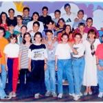 ГЕНЕРАЦИЈА 1982. СА НАСТАВНИЦОМ АНГЕЛИНОМ Ј.М. МИЛИНОМ БРАЛОВИЋ И ДАНАС НАСТАВНИЦА МАРИЈА ПОПОВИЋ