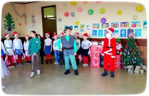 Новогодишња приредба ученика ИО Турица